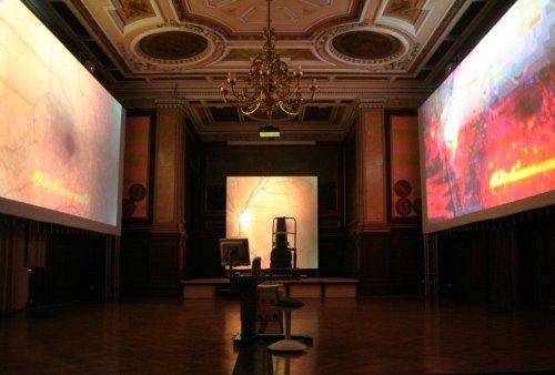 """Installation """"Der Gedankenprojektor"""" ARS Electronica 2008, Linz"""
