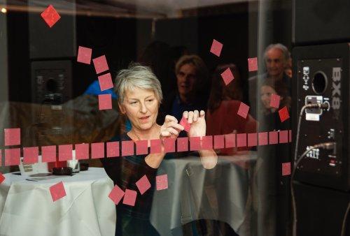 "Doris Jauk-Hinz, Intervention ""Trans-Lokation"", Eröffnung 12.09.2013"