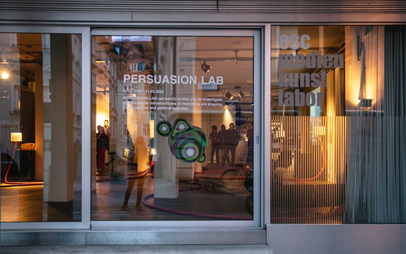 ©_esc_medien_kunst_labor_persuasion lab_ad.watch_elevate
