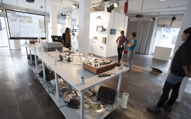 """Fränk Zimmer """"information/storage.refresh"""", © esc medien kunst labor"""