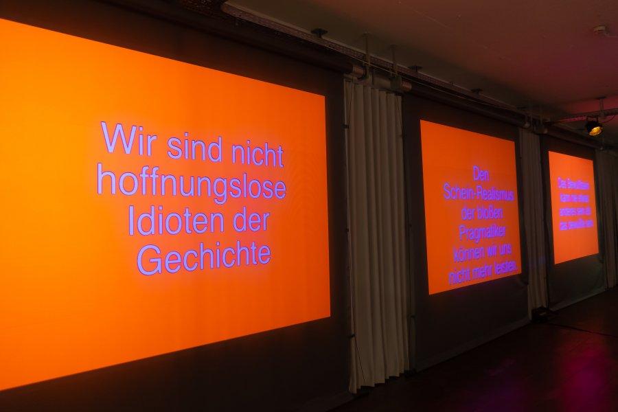 sofa68_Projektion1_Seppo-Gründler_@_esc_medien-kunst-labor_©_Foto:_Lara-Baumgartner