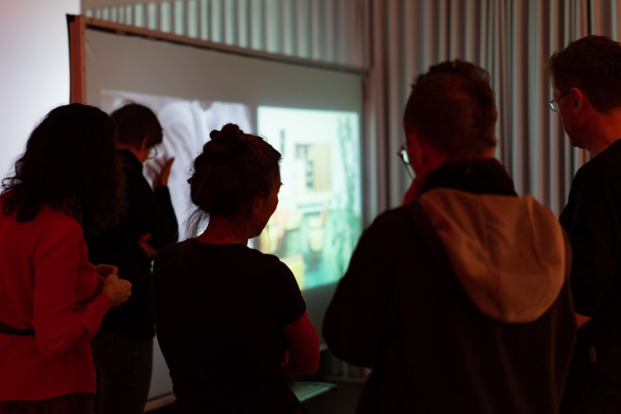 sofa68_Vernissage1_Seppo-Gründler_@_esc_medien-kunst-labor_©_Foto:_Lara-Baumgartner